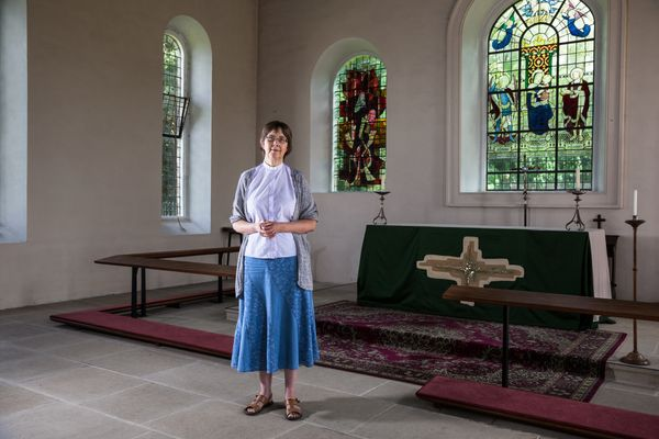15.4 tCO2e<br><br>Alice is a curate in a rural English parish. She lives with her husband in an old rectory which is not insu