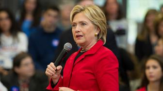 MANCHESTER, NH - OCTOBER 05:  Democratic presidential candidate Hillary Rodham Clinton holds a town hall meeting at the Manchester Community College on October 5, 2015 in Manchester, New Hampshire. Clinton spoke about the need for gun control on the wake of a mass shooting at another community college in Oregon. (Photo by Alfredo Sosa/The Christian Science Monitor via Getty Images)