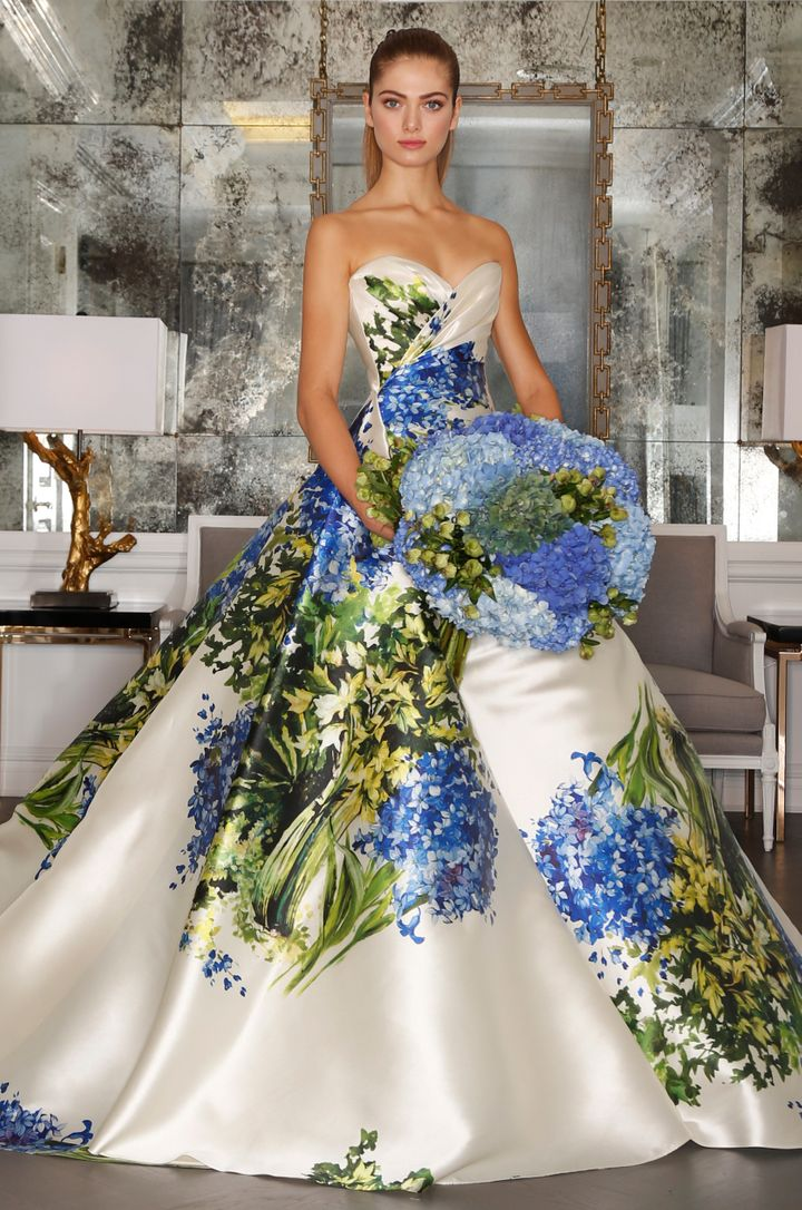 8 Hot Off The Runway Bridal Trends You Ll Be Seeing