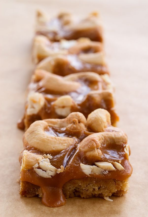 "<strong>Get the <a href=""http://www.bakeorbreak.com/2008/03/butterscotch-cashew-bars/"" target=""_blank"">Butterscotch Cashew Ba"