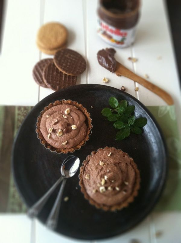 "<strong>Get the <a href=""http://www.bellalimento.com/2012/02/05/nutella-and-mascarpone-chocolate-tarts/"" target=""_blank"">Nute"