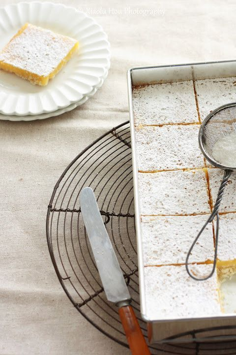 "<strong>Get the <a href=""http://www.6bittersweets.com/2011/05/tart-and-full-of-passionfruit-lemon.html"" target=""_blank"">Passi"