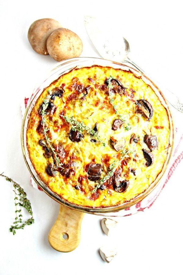 "<strong>Get the <a href=""http://www.bellalimento.com/2014/12/18/mushroom-leek-quiche-with-spaghetti-squash-crust/"" target=""_b"
