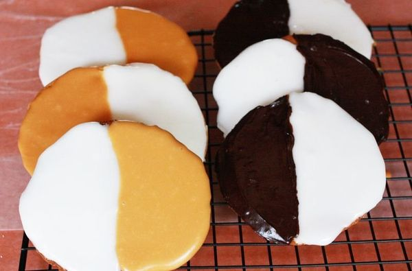 """<strong>Get the <a href=""""http://www.abeautifulmess.com/2012/05/black-and-white-and-brown-cookies.html"""" target=""""_blank"""">Black"""