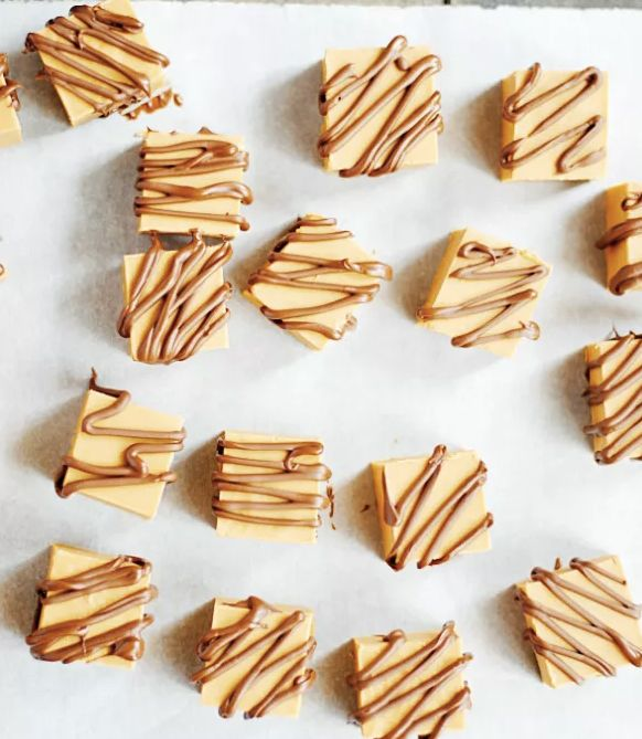 """<strong>Get the <a href=""""http://www.somethingswanky.com/peanut-butter-butterscotch-fudge/"""">Peanut Butter Butterscotch Fudge r"""