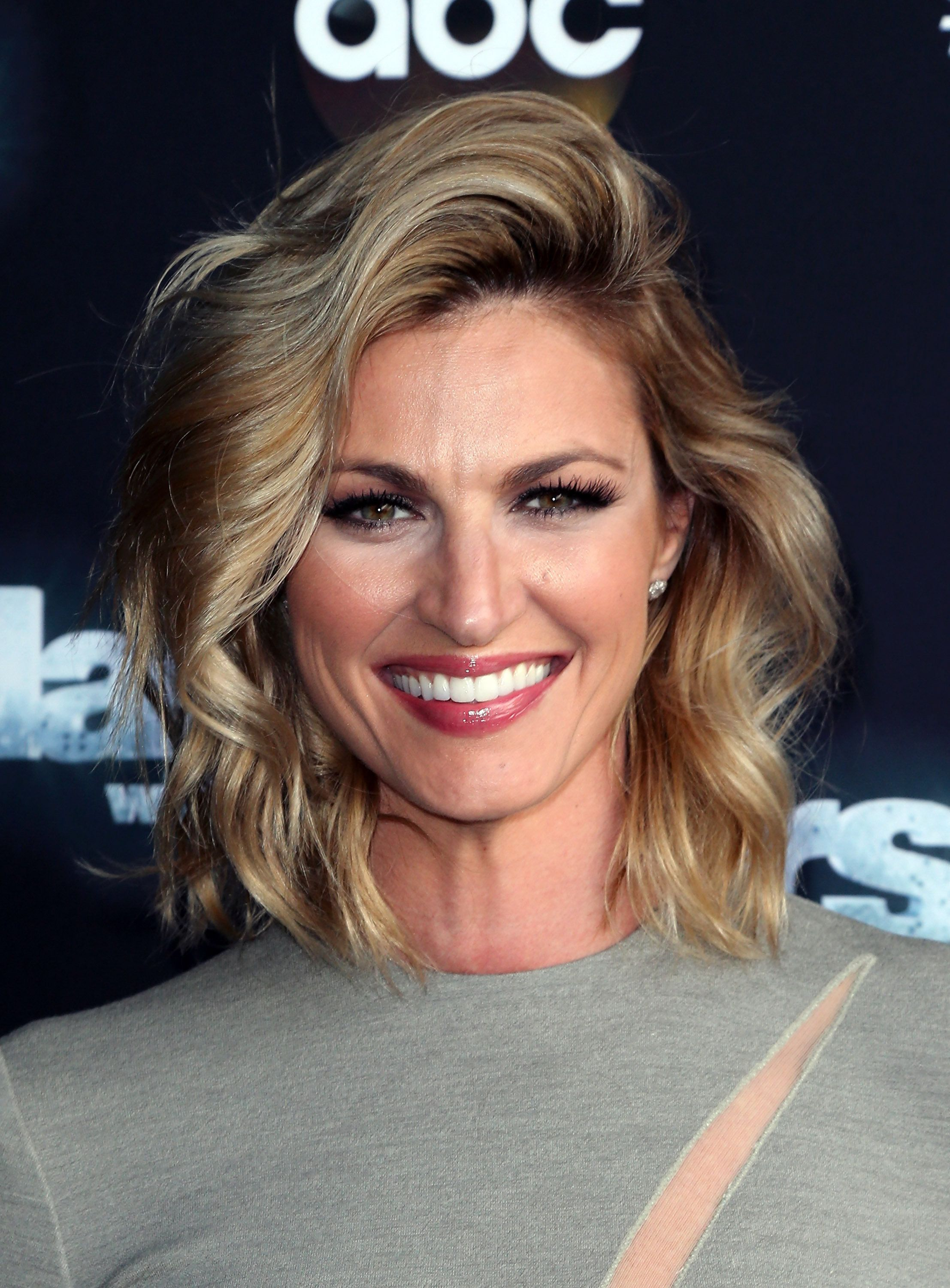 LOS ANGELES, CA - OCTOBER 05:  TV personality Erin Andrews attends 'Dancing with the Stars' Season 21 at CBS Televison City on October 5, 2015 in Los Angeles, California.  (Photo by David Livingston/Getty Images)