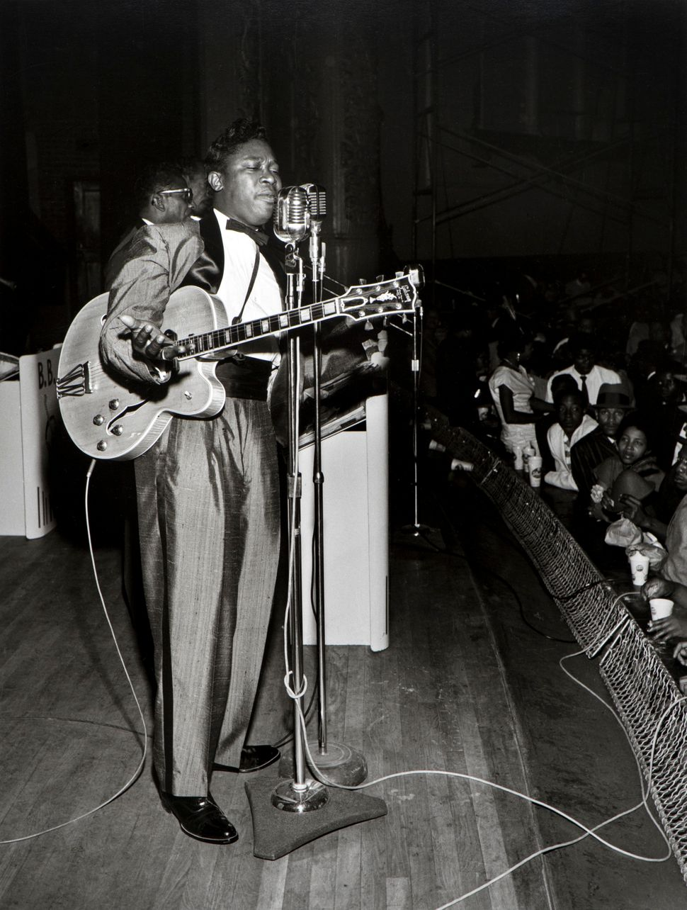 Benny Joseph,<i> B.B. King at City Auditorium</i>, Houston, 1962. &copy; Benny Joseph. Courtesy International Center of Photo