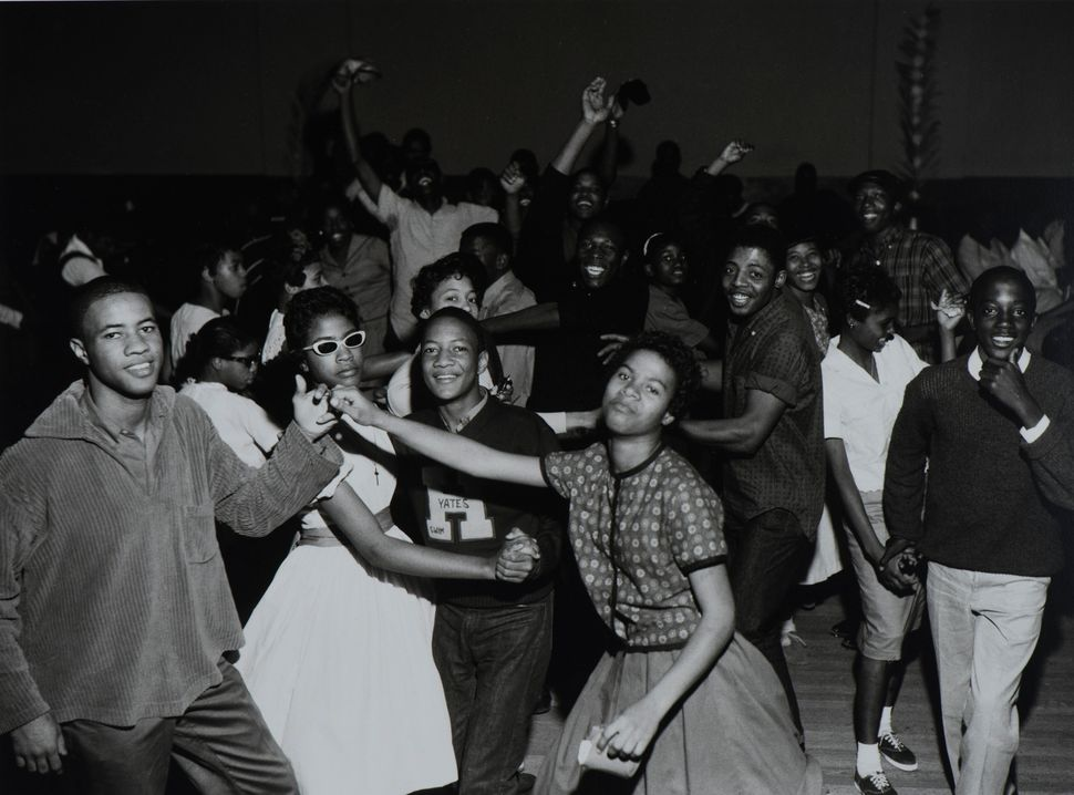 Benny Joseph,<i> Teen hop, Eldorado Ballroom, </i>Houston, 1964.&nbsp;&copy; Benny Joseph. Courtesy International Center of P