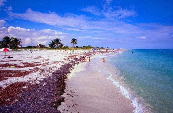 Who doesn't consider Florida a retirement dream? The Sunshine State doesn't have a state income tax, but due to its popularit