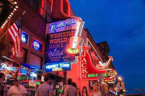 Music lovers will want to flock to Tennessee for its richmusic scene. Here, retirees can also benefit from no state per