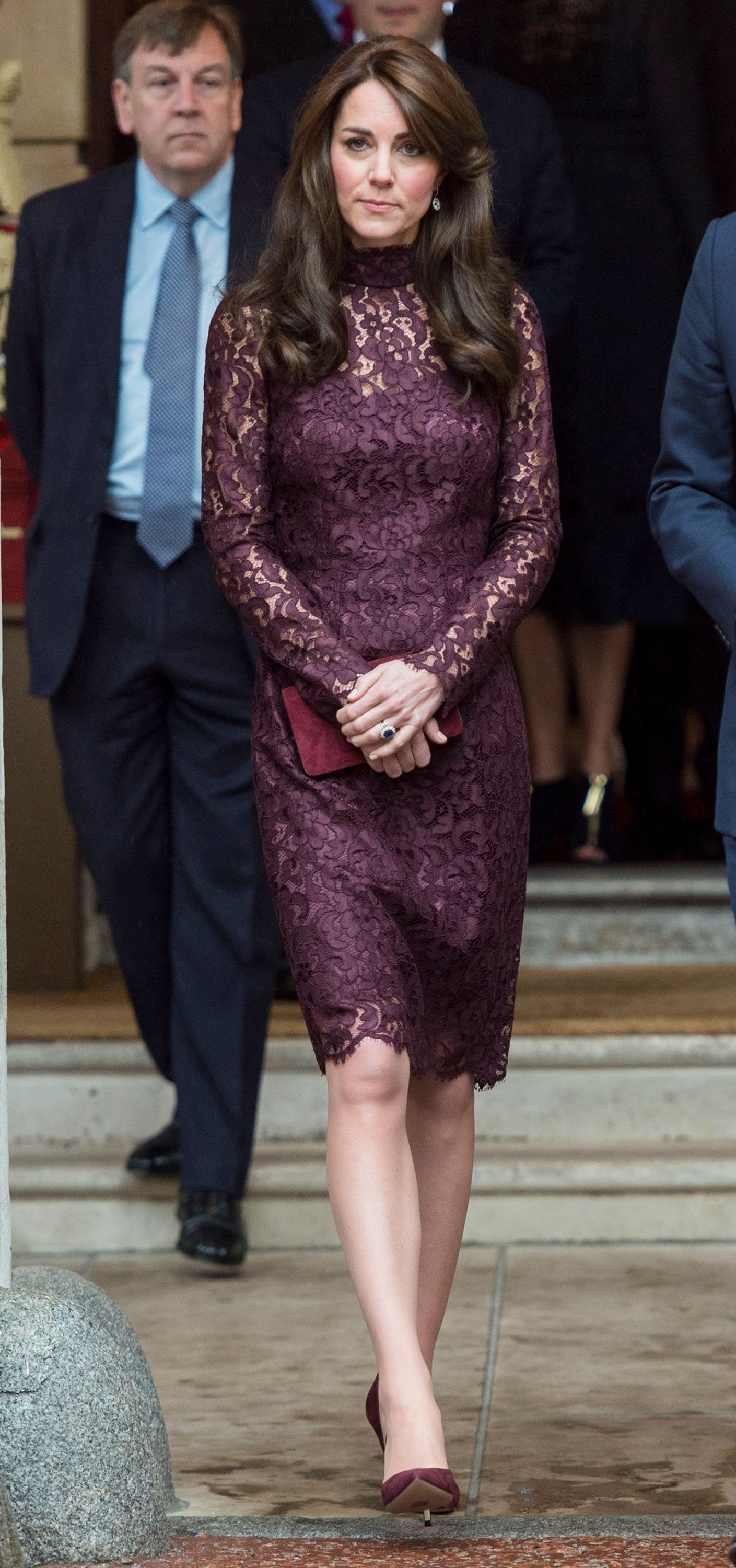 LONDON, ENGLAND - OCTOBER 21:  Catherine, Duchess of Cambridge attends 'Creative Collaborations: UK & China' at Lancaster House during the Chinese State Visit on October 21, 2015 in London, England. The President of the Peoples Republic of China, Mr Xi Jinping and his wife, Madame Peng Liyuan, are paying a State Visit to the United Kingdom as guests of The Queen.  (Photo by Mark Cuthbert/UK Press via Getty Images)