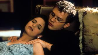 Sarah Michelle Gellar passed out on top of Ryan Phillippe in a scene from the film 'Cruel Intentions', 1999. (Photo by Columbia Pictures/Getty Images)