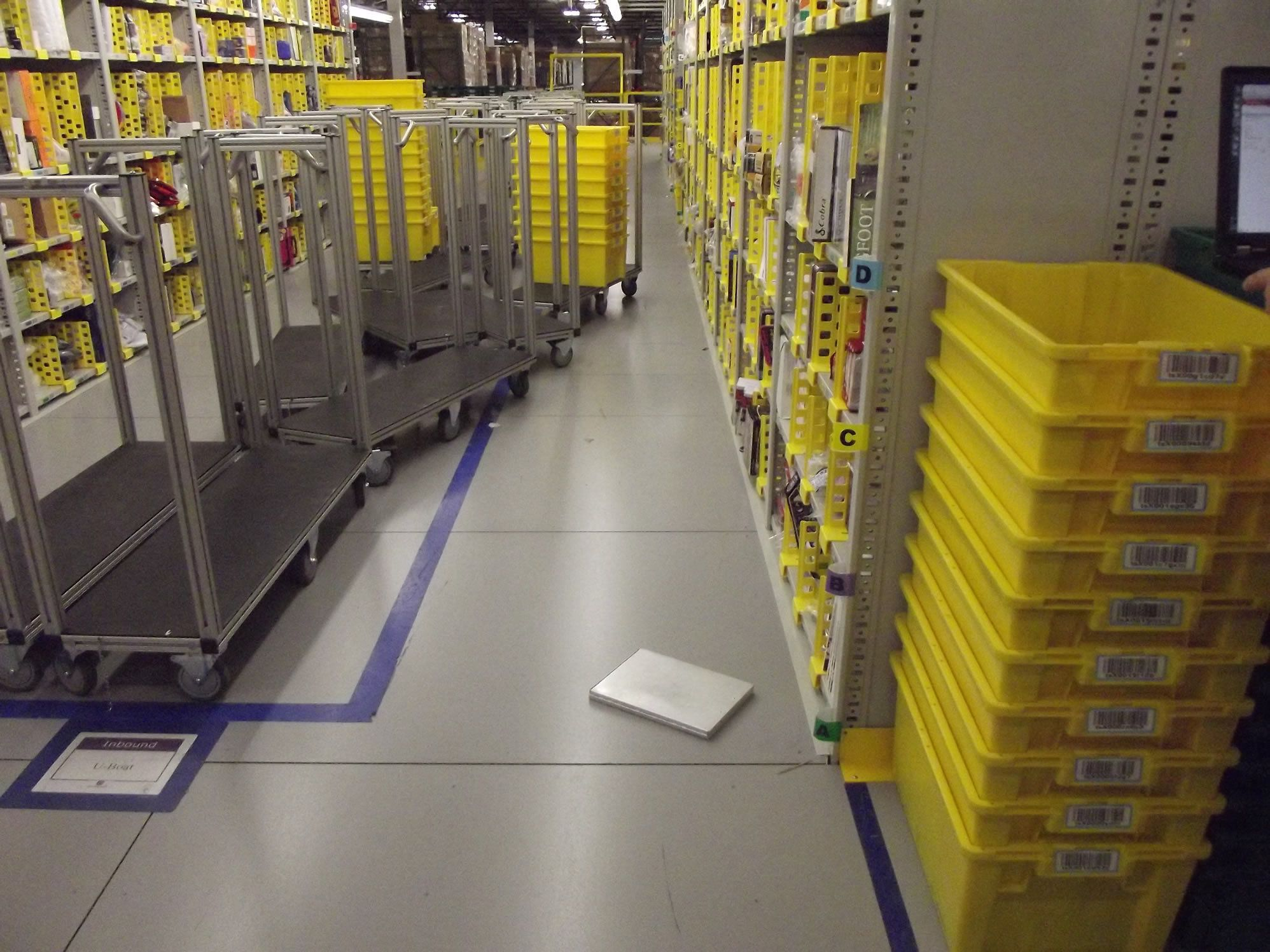 The Life and Death of an Amazon Warehouse Temp - The