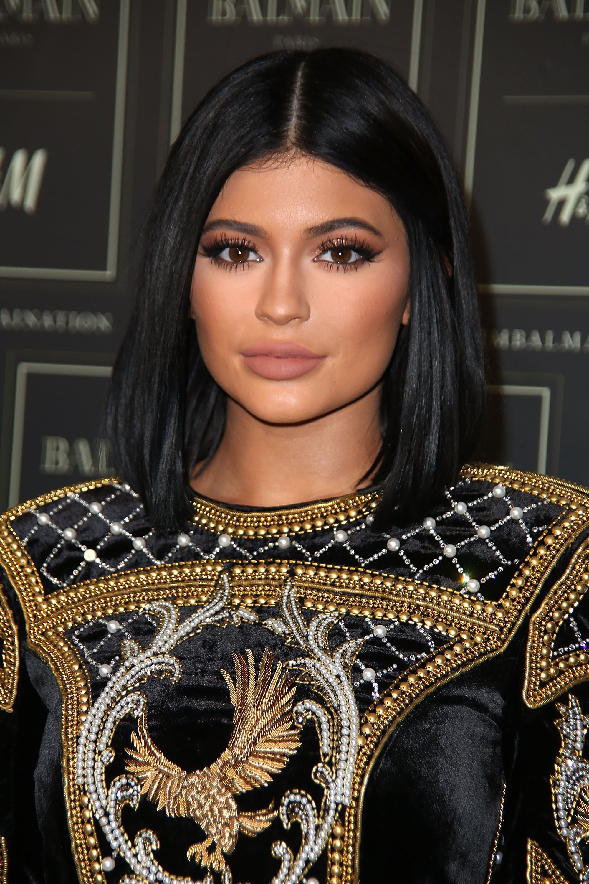 NEW YORK, NY - OCTOBER 20:  Kylie Jenner arrives at the BALMAIN X H&M collection  launch event at 23 Wall Street on October 20, 2015 in New York City.  (Photo by Sonia Moskowitz/WireImage)
