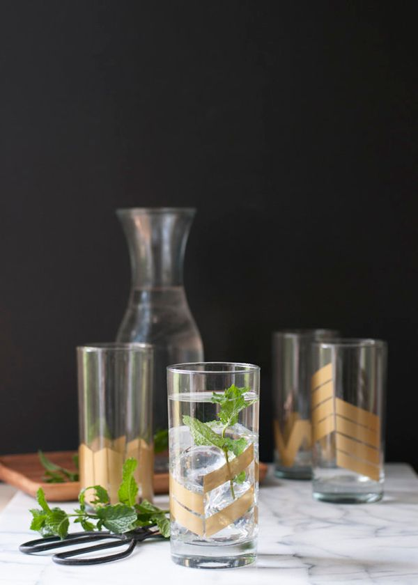 """<a href=""""http://www.earnesthomeco.com/gold-geometric-tumbler-set-diy/"""" target=""""_blank"""">Spice up your glassware with these sim"""
