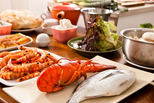 """""""Steep some shells and chopped legs in a little oil on low heat to infuse the oil with a delicious lobster flavor,"""" Berry&nbs"""