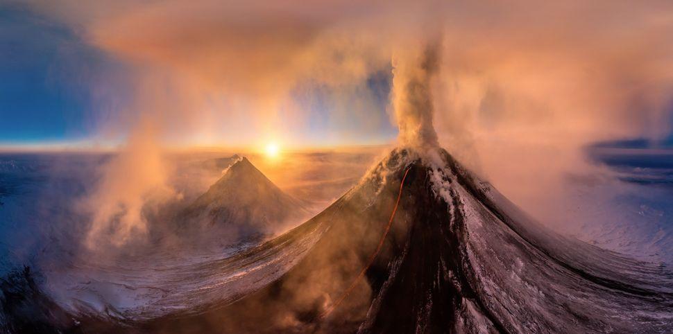 Eruption of the volcano Kluchevskaya Sopka, Jan. 2015