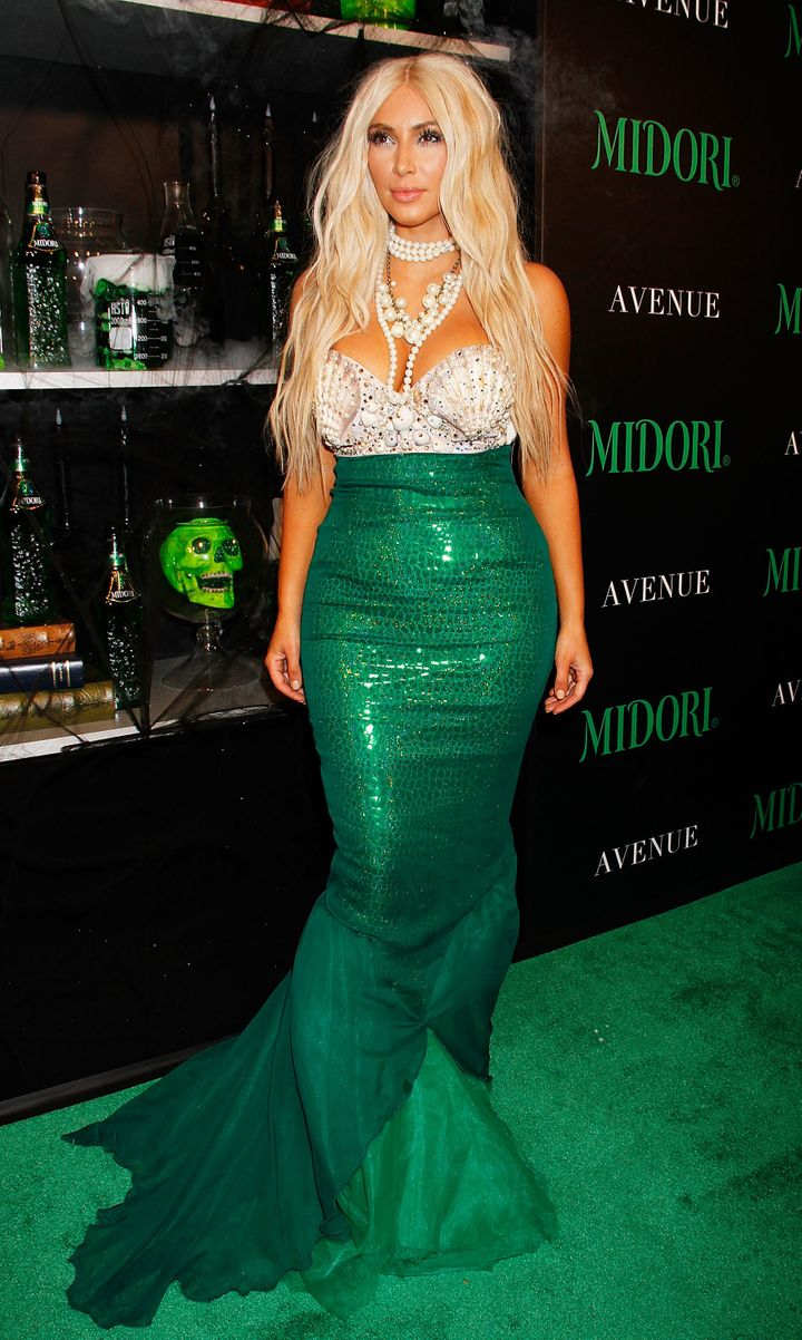 Kim Kardashian's Halloween Costumes Deserve A Round Of Applause ...