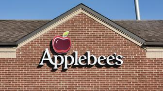 POUGHKEEPSIE, NEW YORK, UNITED STATES - 2014/10/25: Applebee's restaurant exterior logo. (Photo by John Greim/LightRocket via Getty Images)