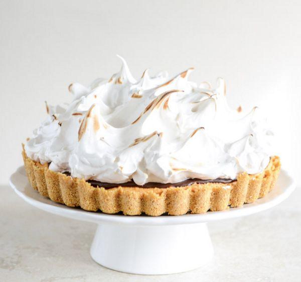 """<strong>Get the <a href=""""http://www.howsweeteats.com/2013/11/pumpkin-smores-tart/"""" target=""""_blank"""">Pumpkin S'mores Tart recip"""