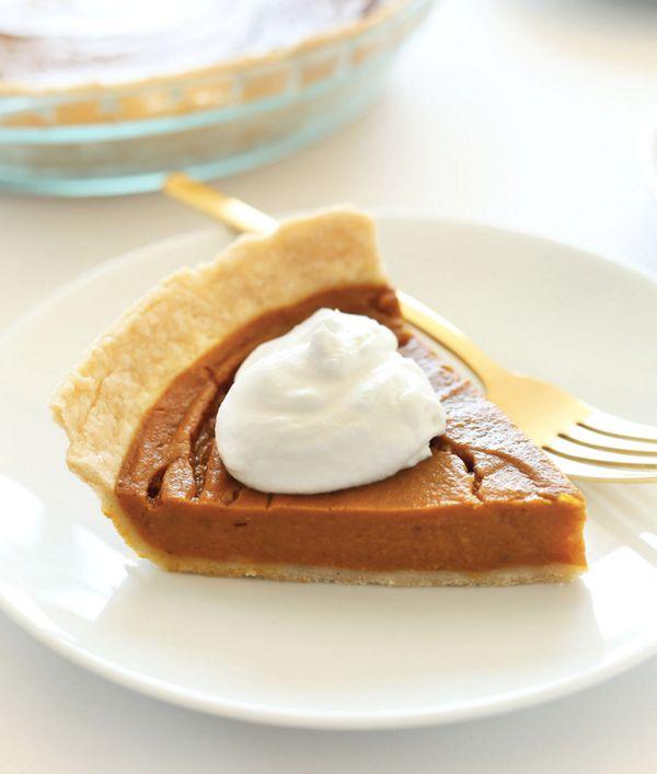 """<strong>Get the <a href=""""http://minimalistbaker.com/vegan-gluten-free-pumpkin-pie/"""" target=""""_blank"""">Vegan Gluten-Free Pumpkin"""
