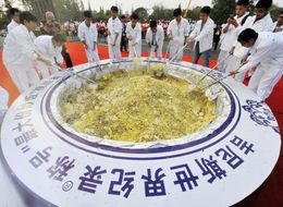 Guinness Dumps World's Largest Bowl Of Fried Rice