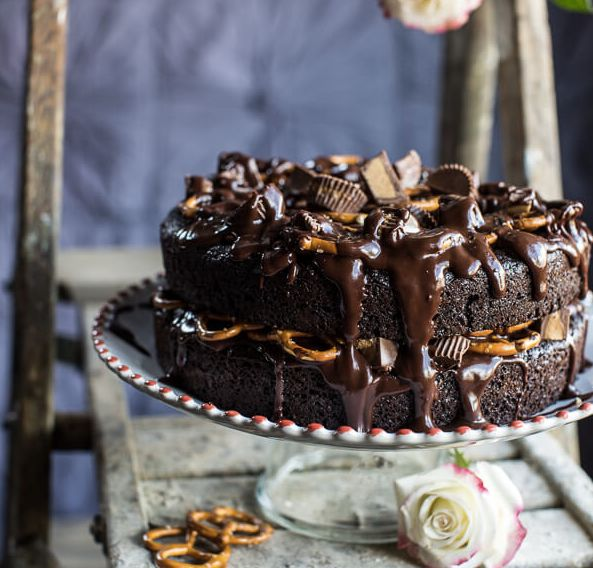 "<strong>Get the <a href=""http://www.halfbakedharvest.com/fudgy-one-bowl-chocolate-peanut-butter-cup-pretzel-cake/"" target=""_b"