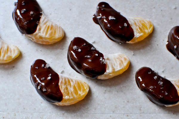 "<strong>Get the <a href=""http://www.howsweeteats.com/2011/01/chocolate-dipped-clementines/"" target=""_blank"">Chocolate Dipped"