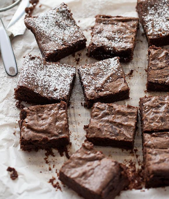 "<strong>Get the <a href=""http://www.foodiecrush.com/2013/03/stout-chocolate-brownies-plus-20-more-great-stout-recipes/"" targe"