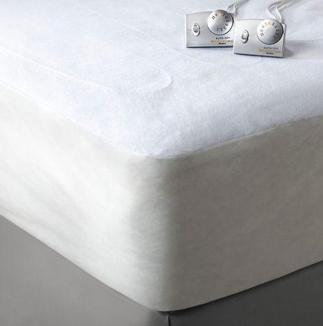 """<i><a href=""""http://www.target.com/p/biddeford-heated-mattress-pad/-/A-17402036?ci_src=17588969&ci_sku=17402036&Produc"""