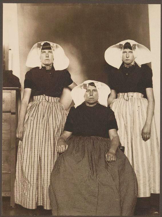 <i>Three Dutch women</i>