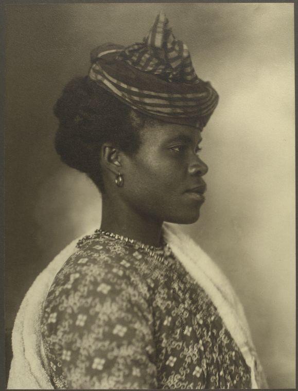 <i>A Guadeloupean woman</i>