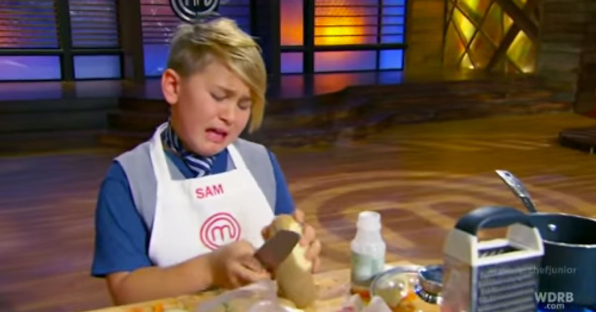 39 masterchef junior 39 kids cry through terrifying 39 hell 39 s for Hells kitchen kids