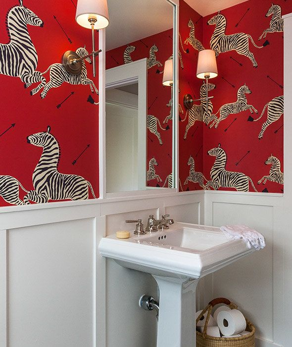 """For Gibson, the powder room """"is an area to be bold and have fun,"""" he told HuffPost."""