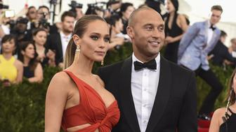 Derek Jeter and Hannah Davis arrive at the Costume Institute Gala Benefit at The Metropolitan Museum of Art May 5, 2015 in New York. AFP PHOTO / TIMOTHY A. CLARY        (Photo credit should read TIMOTHY A. CLARY/AFP/Getty Images)