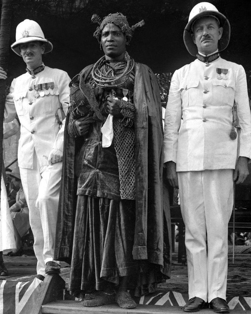 Oba Akenzua II, c. 1937 [Matphson/Matthieson - colonial on left]