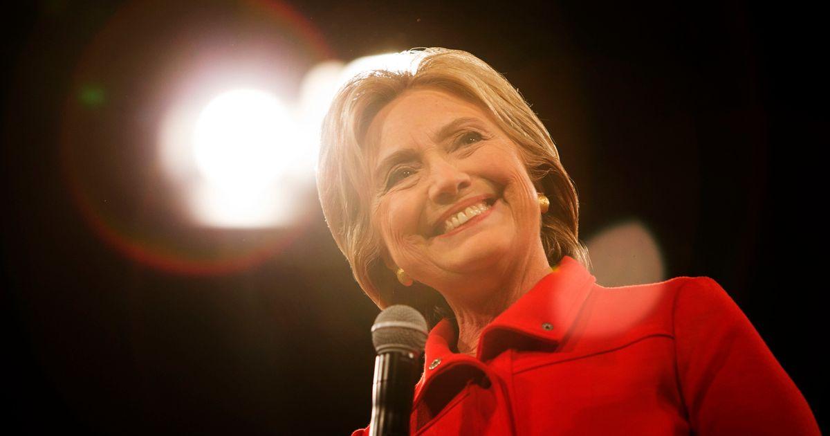 Hillary Clinton Live Tweeted The Gop Debate