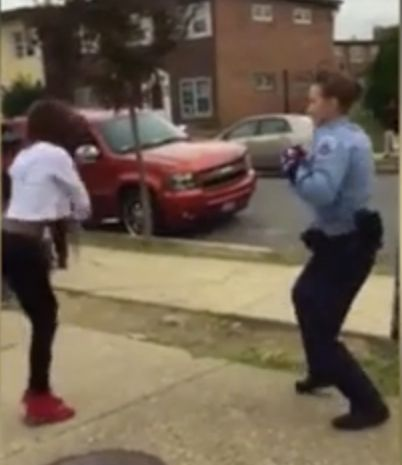 A D.C. police officer helped defuse a fight between teenagers in a Washington park by challenging one of them to a dance-off.