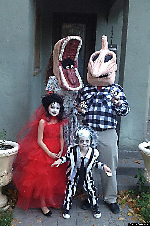 2012 u201cBeetlejuiceu201d  sc 1 st  HuffPost & This Creative Momu0027s Family Halloween Costumes Are Next Level | HuffPost