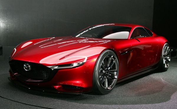 World premiere. An experimental large-scale sports car. It features a revival of the rotary engine, which has not been seen s