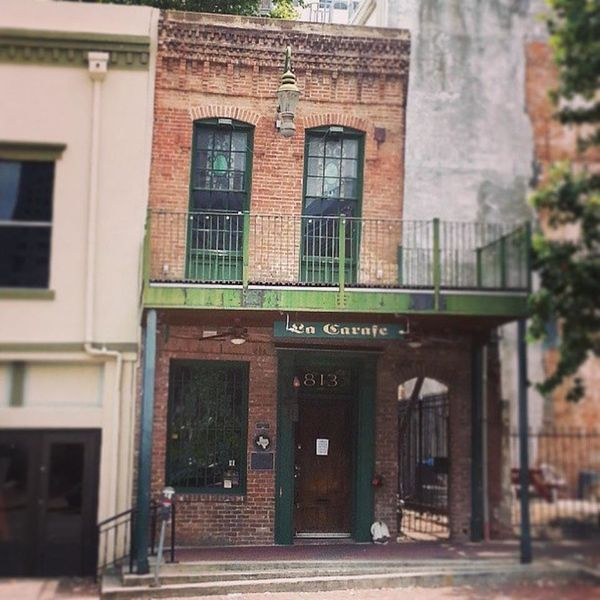 "Just <i>looking</i> at this <a href=""https://foursquare.com/v/la-carafe/41326e00f964a52048121fe3"">creaky old wine bar</a>&nbs"