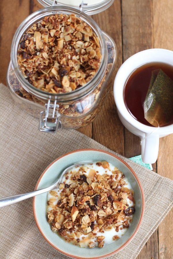"<strong>Get the <a href=""http://www.inquiringchef.com/2013/02/11/chai-spice-granola-with-almonds-and-coconut/"">Chai Spice Gra"