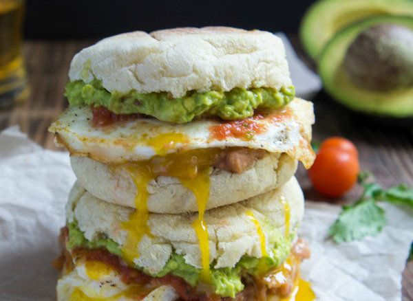 """<strong>Get the <a href=""""http://www.iwashyoudry.com/2013/09/25/huevos-rancheros-breakfast-sandwich/comment-page-1/#comment-17"""