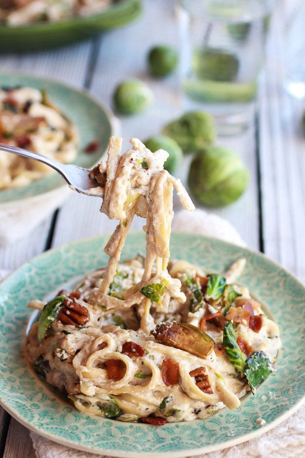 "<strong>Get the <a href=""http://www.halfbakedharvest.com/caramelized-brussels-sprouts-bacon-fettuccine-alfredo/"" target=""_bla"