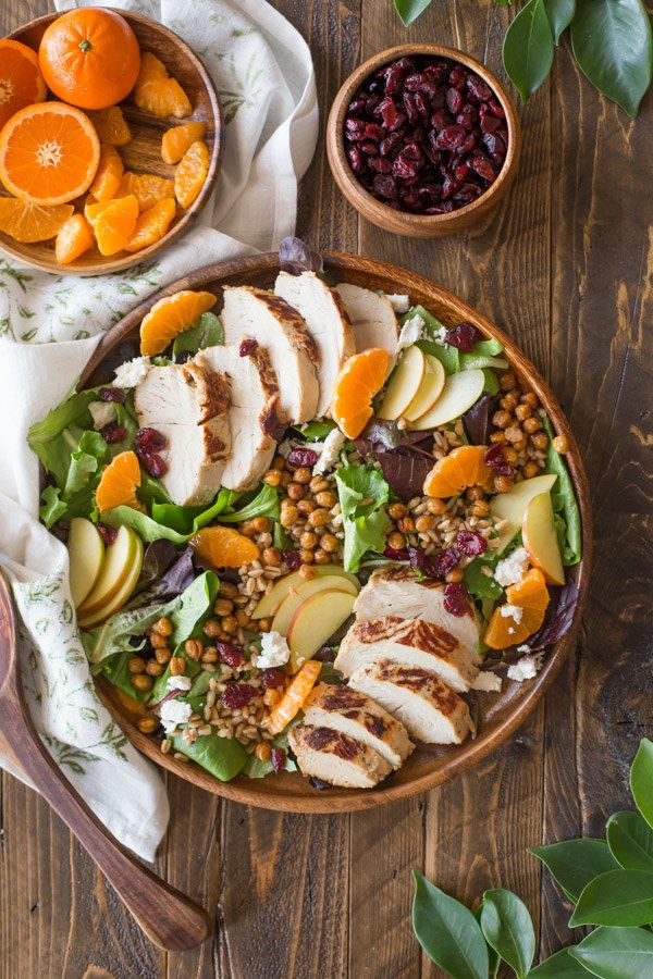 "<strong>Get the <a href=""http://lovelylittlekitchen.com/turkey-farro-salad-with-candied-chickpeas-and-clementine-vinaigrette/"