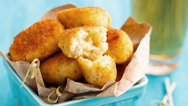 Crispy, creamy potato croquettes are traditionally a handy way to repurpose leftover mashed potatoes. Yet they're so deliciou