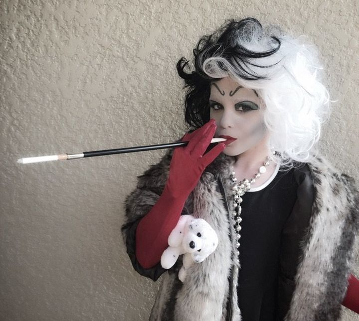 dad defends sons cruella halloween costume from small minded bigots huffpost