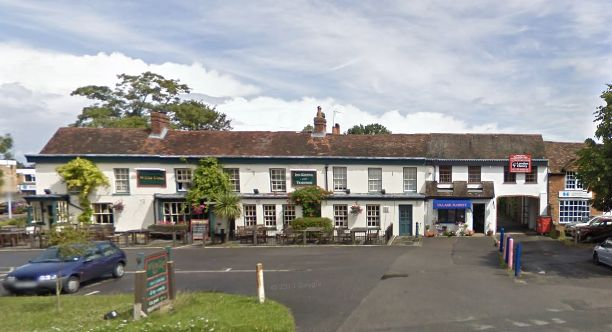 Image of White Lion pub and hotel in Yateley.