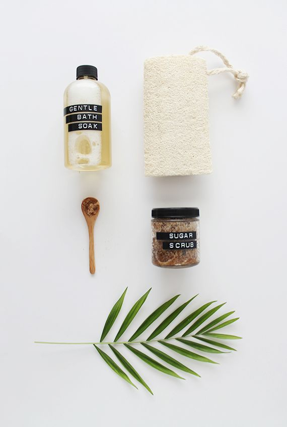 "Give the gift of relaxation with this homemade spa kit by <a href=""http://www.almostmakesperfect.com/2015/05/05/diy-mini-spa-"