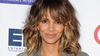 BEVERLY HILLS, CA - NOVEMBER 04:  Actress Halle Berry attends the Entertainment Industry Foundation's 'Imagine' benefit fundraiser on November 4, 2015 in Beverly Hills, California.  (Photo by Jason LaVeris/FilmMagic)